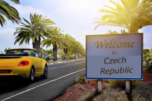Jaký je počet cizinců na území České republiky?